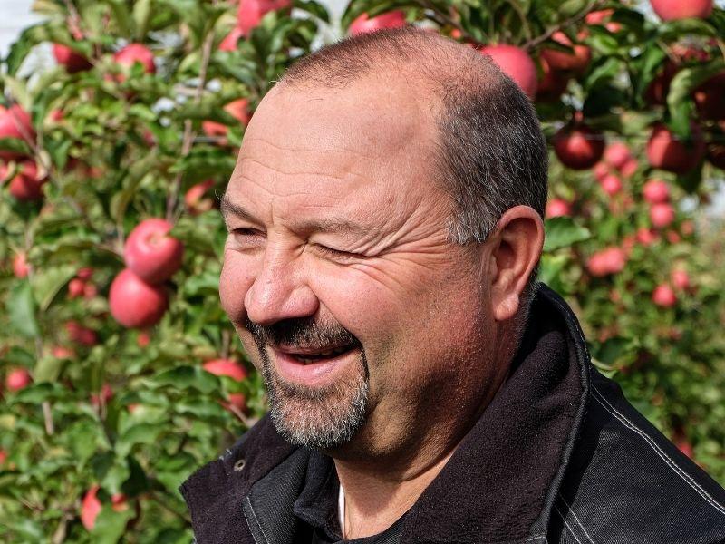 Un agriculteur explique comment le pluviomètre connecté Weenat l'aide à piloter sa ferme.